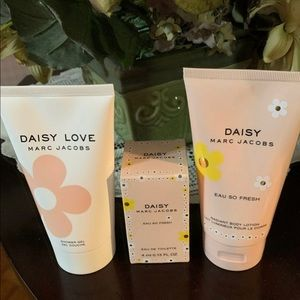 Marc Jacobs body lotion